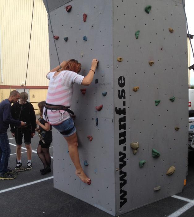Du får även lära dig olika tekniker inom klättring