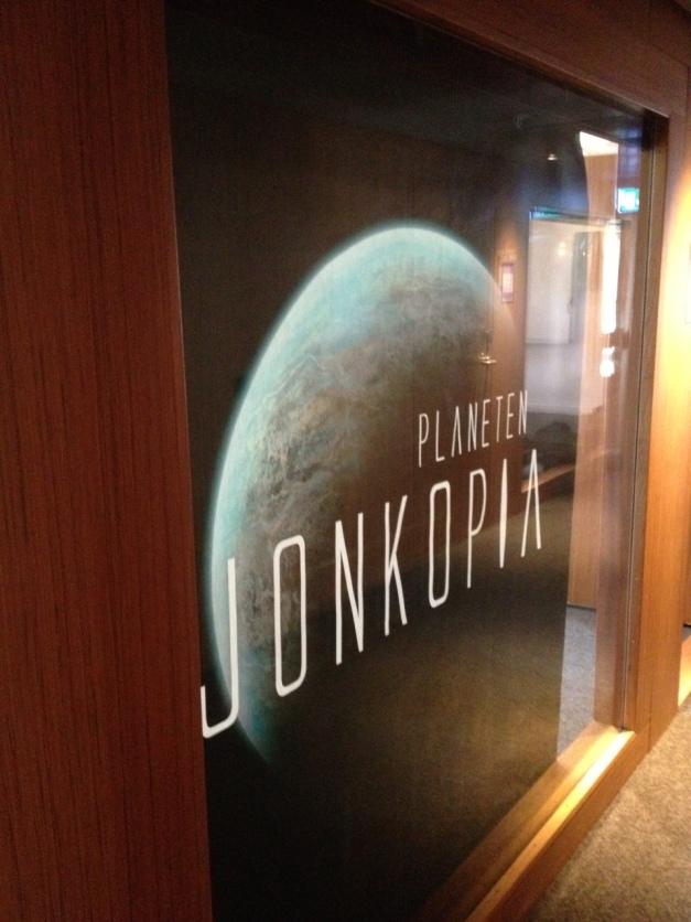Självklart har vi smyckat konferenskorridoren för att visa vilka vi är.